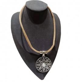 Collier liège avec étoile orientale métallique cercle de métal