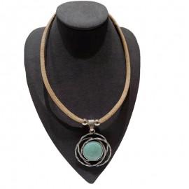 Collier liège avec turquoise entourée de fils de métal
