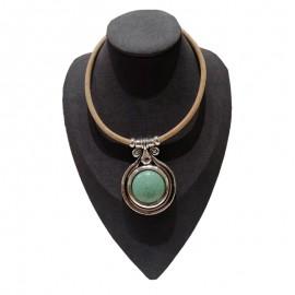 Collier liège avec turquoise dans un cercle de métal