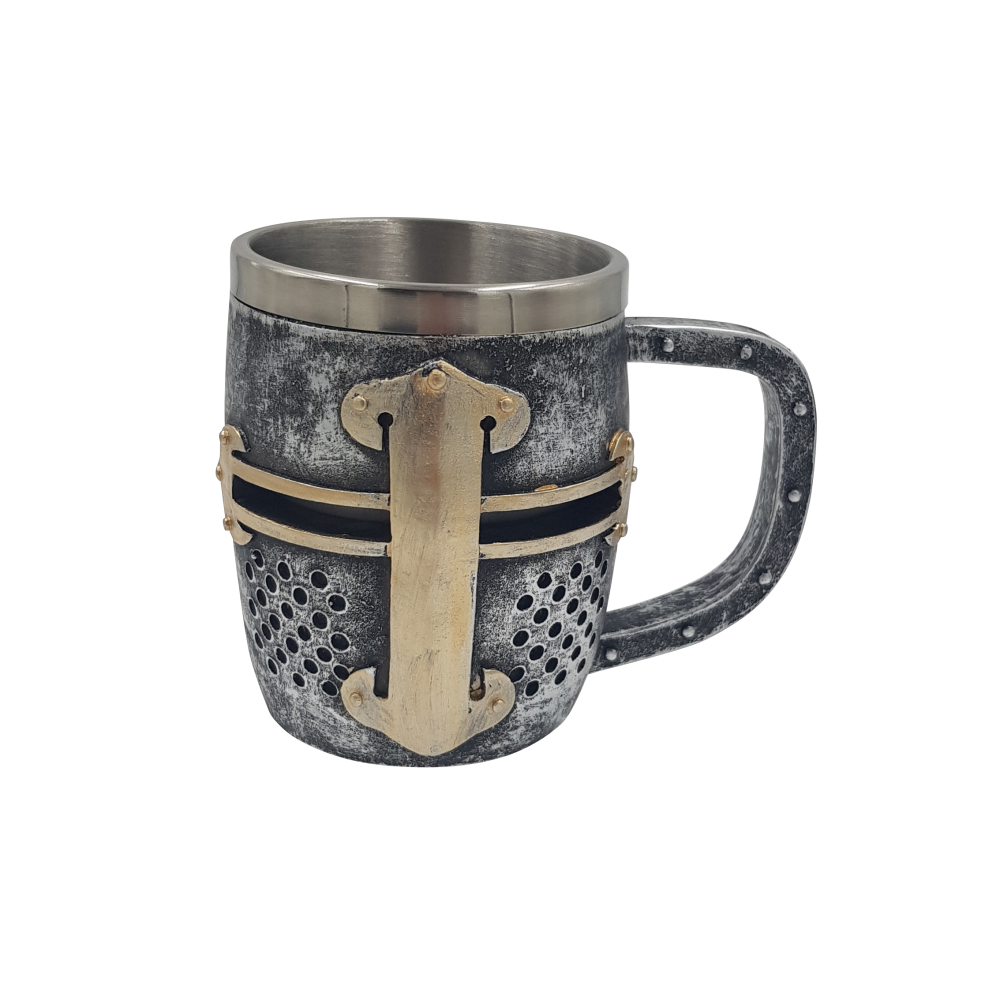 Mug métal en forme de heaume chevaleresque